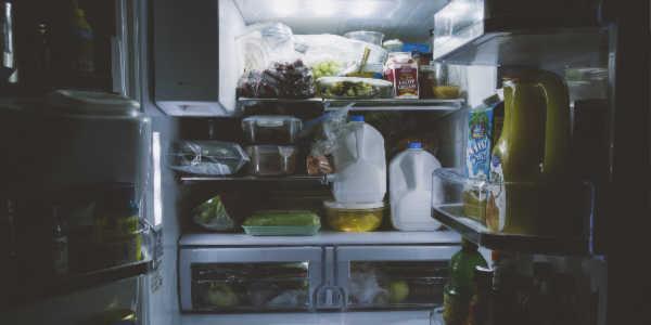 come disporre alimenti in frigorifero